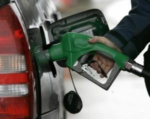 Combustibles bajan y mientras gas natural sigue igual