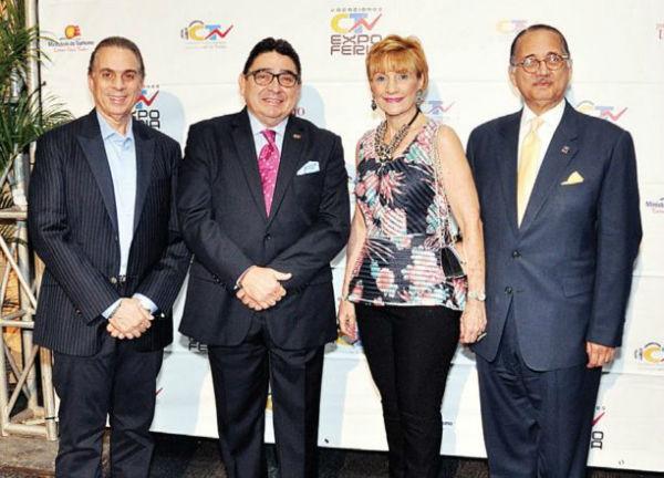 Nabij Khoury, Miguel Calzada León, Susana Villanueva y Arturo Villanueva.